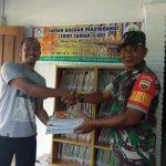 Peduli Pendidikan, Babinsa Desa Mekar Jaya Memberikan Bantuan Buku Bacaan ke Taman Bacaan Masyarakat (TBM) Taman Ilmu Desa Mekar Jaya