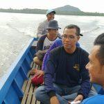 Kades Mekar Jaya Dampingi Dishub Natuna Lakukan Survei Rencana Pemasangan Rambu-rambu Laut Mekar Jaya